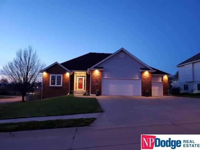 16134 Willow Circle, Bennington, NE 68007 (MLS #22108183) :: Dodge County Realty Group