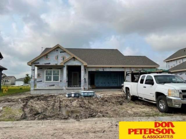 3037 Aurora Drive, Fremont, NE 68025 (MLS #22108853) :: Berkshire Hathaway Ambassador Real Estate