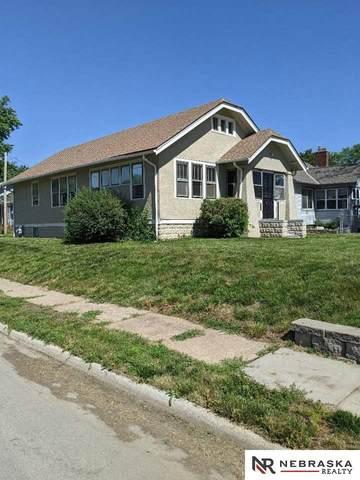 7004 N 24th Street, Omaha, NE 68112 (MLS #22112721) :: Berkshire Hathaway Ambassador Real Estate