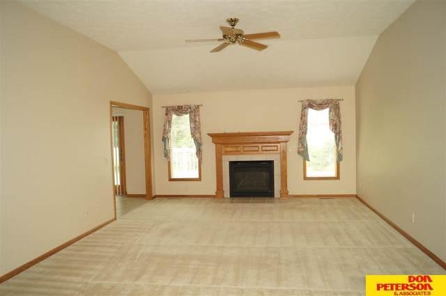 735 Heatherwood, Fremont, NE 68025 (MLS #22115776) :: Omaha Real Estate Group