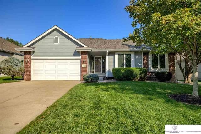 5703 S 163 Avenue, Omaha, NE 68135 (MLS #22121772) :: Lincoln Select Real Estate Group