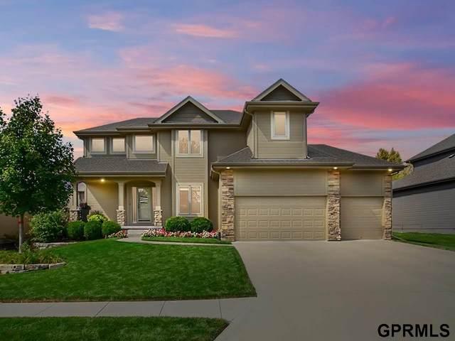 702 S 199 Street, Elkhorn, NE 68022 (MLS #22122077) :: Capital City Realty Group