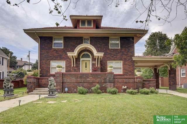105 S 53rd Street, Omaha, NE 68132 (MLS #22123153) :: Lincoln Select Real Estate Group