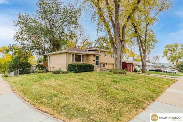 2401 S 84th Street Circle, Omaha, NE 68124 (MLS #22125063) :: Complete Real Estate Group