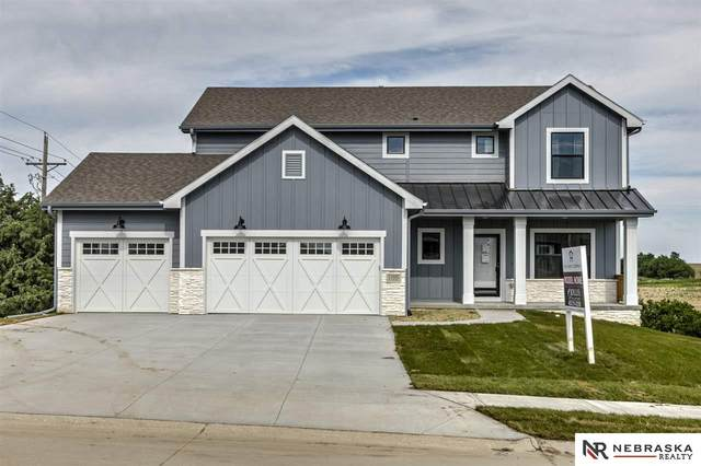 11805 S 110 Avenue, Papillion, NE 68046 (MLS #21928079) :: The Homefront Team at Nebraska Realty