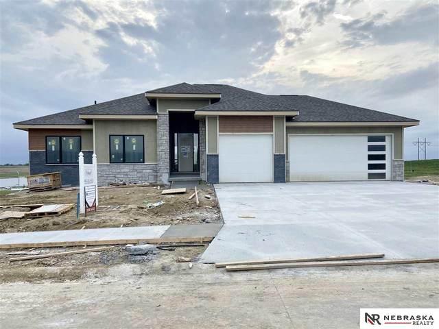 5820 N 168 Avenue, Omaha, NE 68116 (MLS #21929248) :: Catalyst Real Estate Group