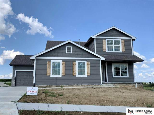 4508 Lawnwood Drive, Papillion, NE 68133 (MLS #22008345) :: The Excellence Team