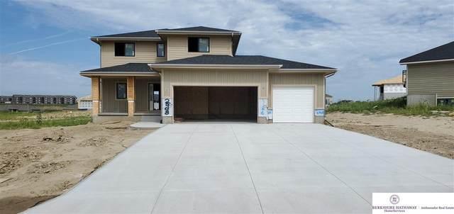 2908 Big Elk Parkway, Elkhorn, NE 68022 (MLS #22013632) :: Omaha Real Estate Group