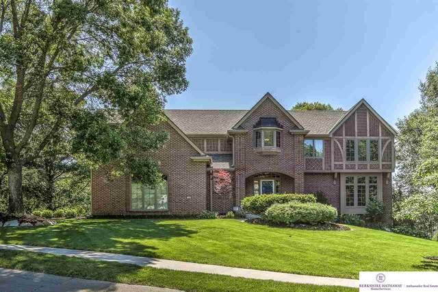629 N 157 Circle, Omaha, NE 68118 (MLS #22014898) :: One80 Group/Berkshire Hathaway HomeServices Ambassador Real Estate