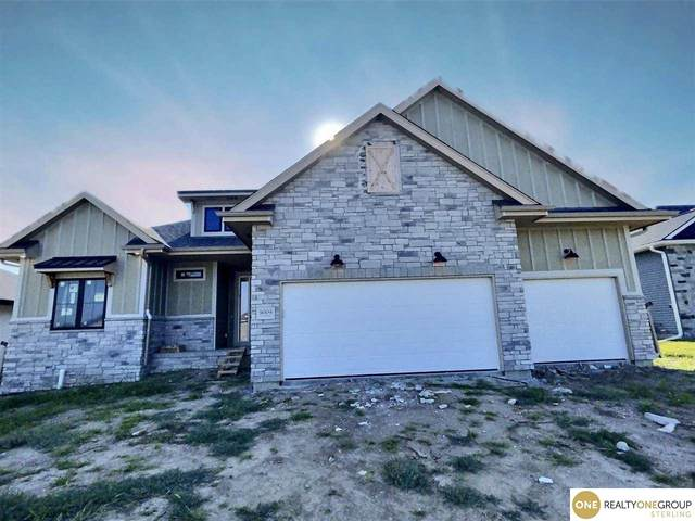 9009 S 32nd Street, Lincoln, NE 68516 (MLS #22024098) :: Dodge County Realty Group