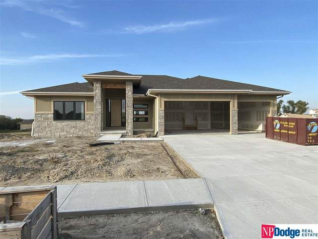 12810 Slayton Street, Papillion, NE 68138 (MLS #22113759) :: Lincoln Select Real Estate Group