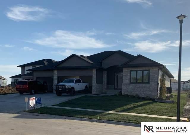 8937 Sandalwood Drive, Lincoln, NE 68520 (MLS #22115550) :: Lincoln Select Real Estate Group