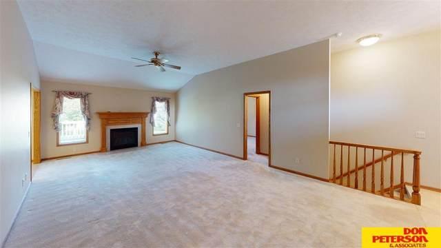 735 Heatherwood, Fremont, NE 68025 (MLS #22115776) :: Berkshire Hathaway Ambassador Real Estate