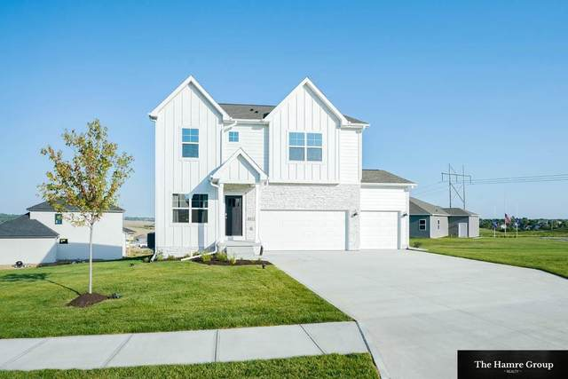 8811 S 65th Street, Papillion, NE 68157 (MLS #22119047) :: Lincoln Select Real Estate Group
