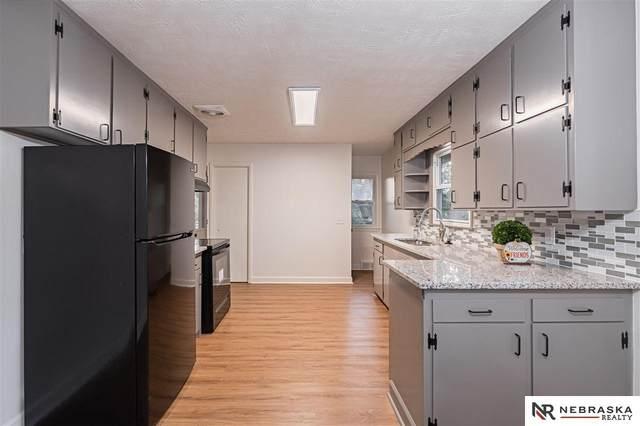 5548 N 33rd Avenue, Omaha, NE 68111 (MLS #22119859) :: Elevation Real Estate Group at NP Dodge