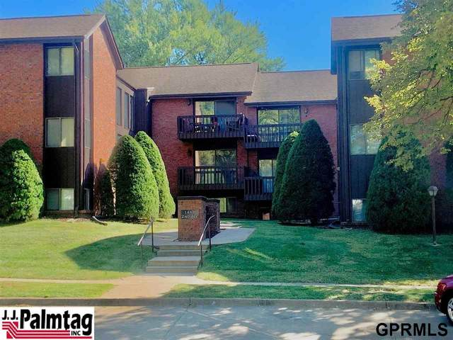 1413 2nd Avenue, Nebraska City, NE 68410 (MLS #22122702) :: Lincoln Select Real Estate Group
