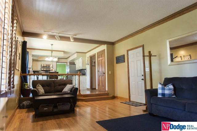 5100 Disbrow Court, Lincoln, NE 68516 (MLS #22123370) :: The Briley Team