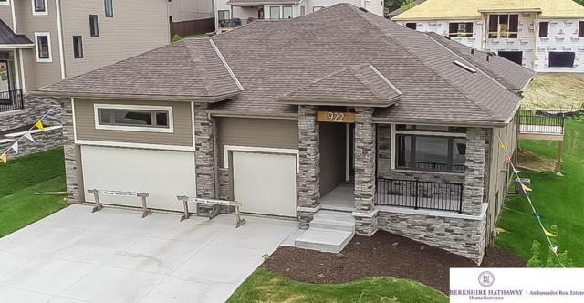 922 S 184 Avenue Circle, Elkhorn, NE 68022 (MLS #21805580) :: Omaha Real Estate Group