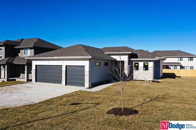 19202 Taylor Circle, Elkhorn, NE 68022 (MLS #21909973) :: Lincoln Select Real Estate Group