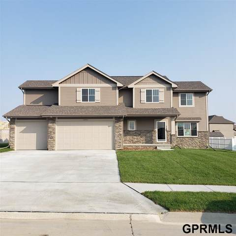 13811 S 52nd Street, Papillion, NE 68133 (MLS #22006199) :: Catalyst Real Estate Group
