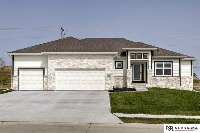 11302 Port Royal Drive, Papillion, NE 68046 (MLS #22007110) :: Dodge County Realty Group