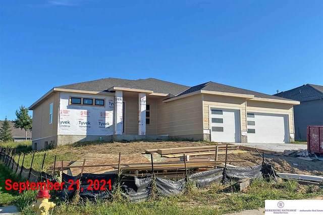 11606 Schirra Street, Papillion, NE 68046 (MLS #22016159) :: Elevation Real Estate Group at NP Dodge