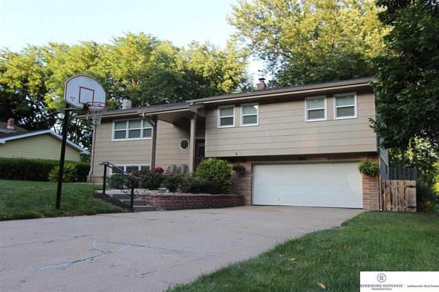 835 S 120 Avenue, Omaha, NE 68154 (MLS #22016357) :: Cindy Andrew Group