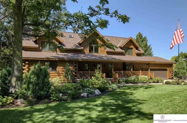 250 Skyline Drive, Omaha, NE 68022 (MLS #22122299) :: Lincoln Select Real Estate Group