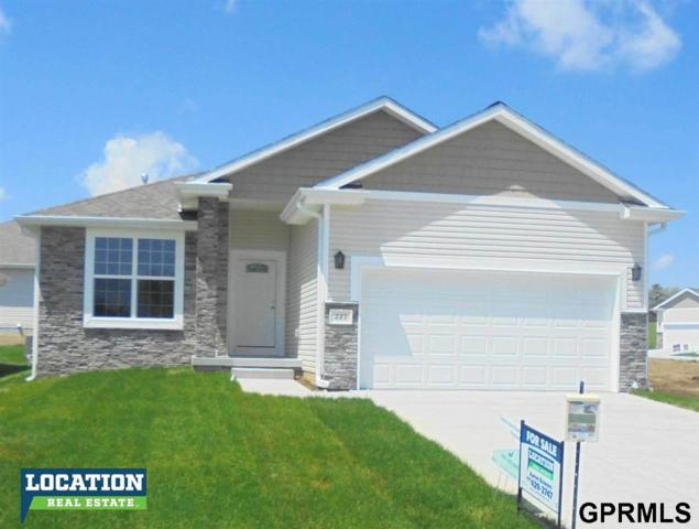 227 Pebble Beach, Lincoln, NE 68520 (MLS #L10149120) :: Dodge County Realty Group