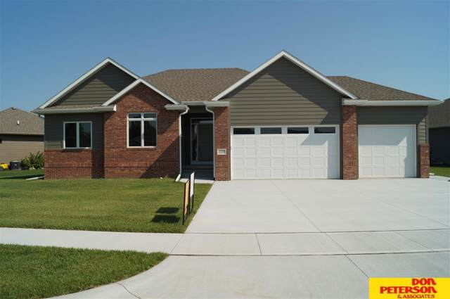 2708 E Brooks Hollow Drive, Fremont, NE 68025 (MLS #21901423) :: Complete Real Estate Group