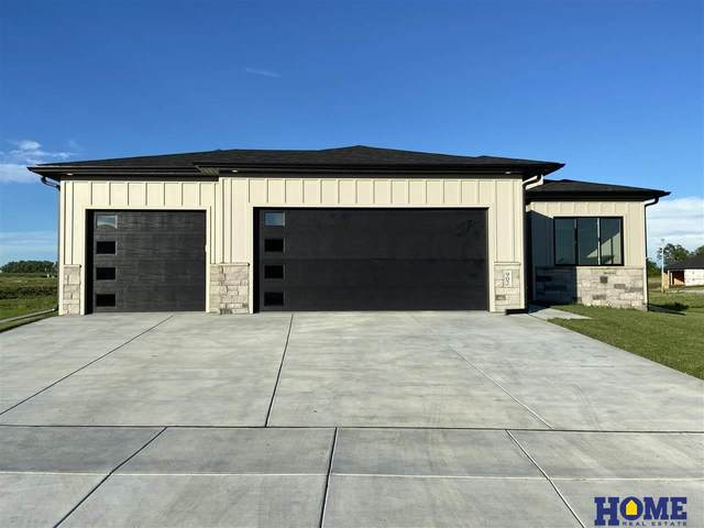 902 Terrace View Drive, Hickman, NE 68372 (MLS #22004062) :: Cindy Andrew Group