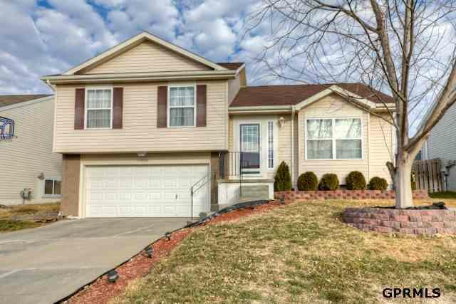 15818 Willow Street, Omaha, NE 68136 (MLS #21200581) :: Omaha's Elite Real Estate Group