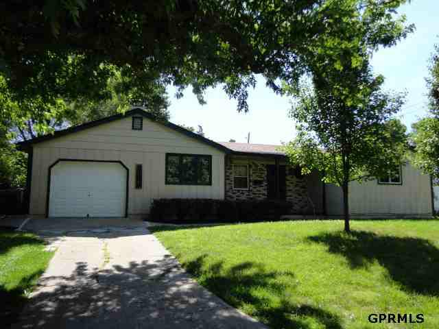 1317 N 61 Street, Omaha, NE 68132 (MLS #21210956) :: Omaha's Elite Real Estate Group