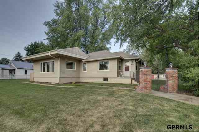 1918 N 60 Street, Omaha, NE 68104 (MLS #21212102) :: Omaha's Elite Real Estate Group