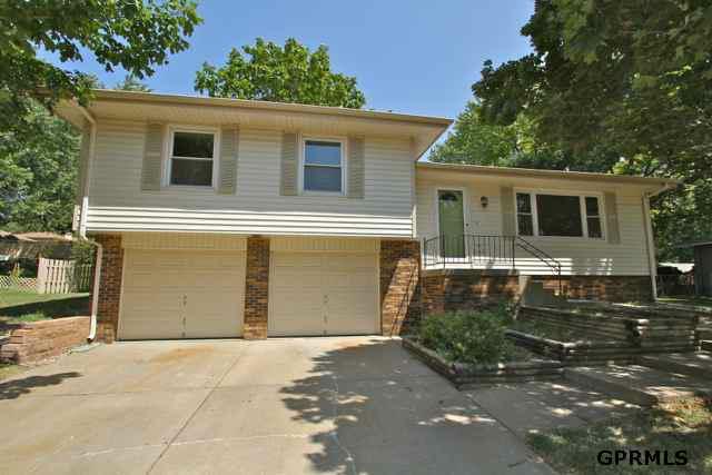 13006 Southdale Drive, Omaha, NE 68137 (MLS #21213399) :: Omaha's Elite Real Estate Group