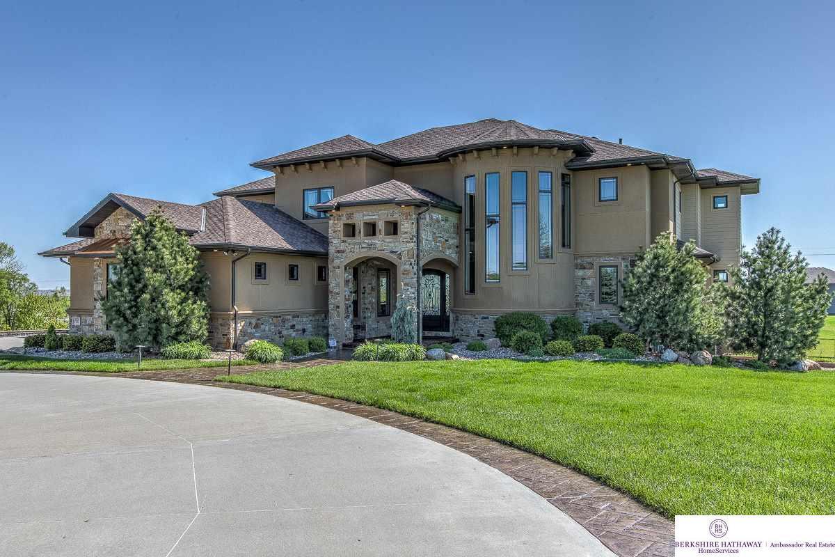 10217 n 182 circle bennington ne 68007 mls 21708776 for Nebraska home builders