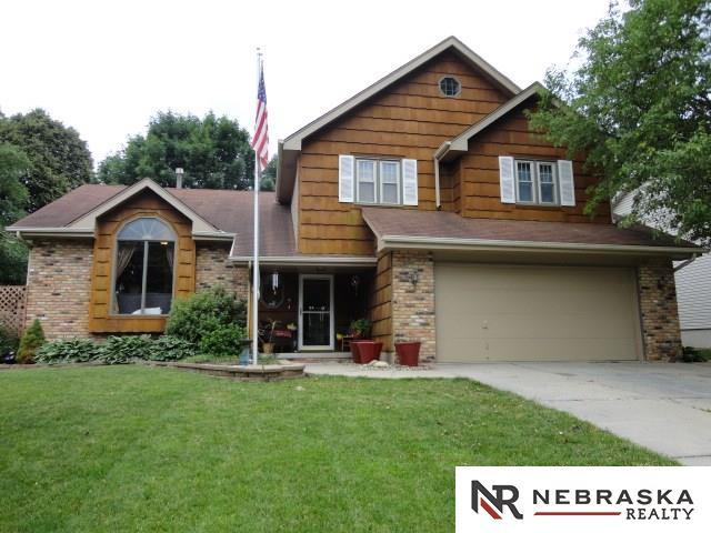 607 Michael Drive, Papillion, NE 68046 (MLS #21711659) :: Nebraska Home Sales