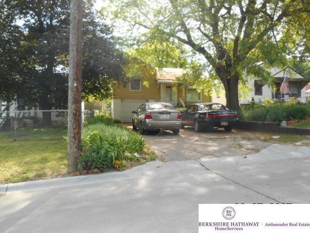 3555 N 61 Street, Omaha, NE 68104 (MLS #21711699) :: Omaha's Elite Real Estate Group