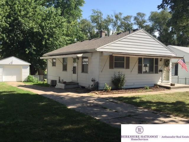 5614 Oak Street, Omaha, NE 68106 (MLS #21713446) :: The Briley Team