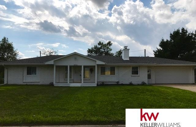 502 S Pine Street, Valley, NE 68064 (MLS #21713964) :: Omaha's Elite Real Estate Group