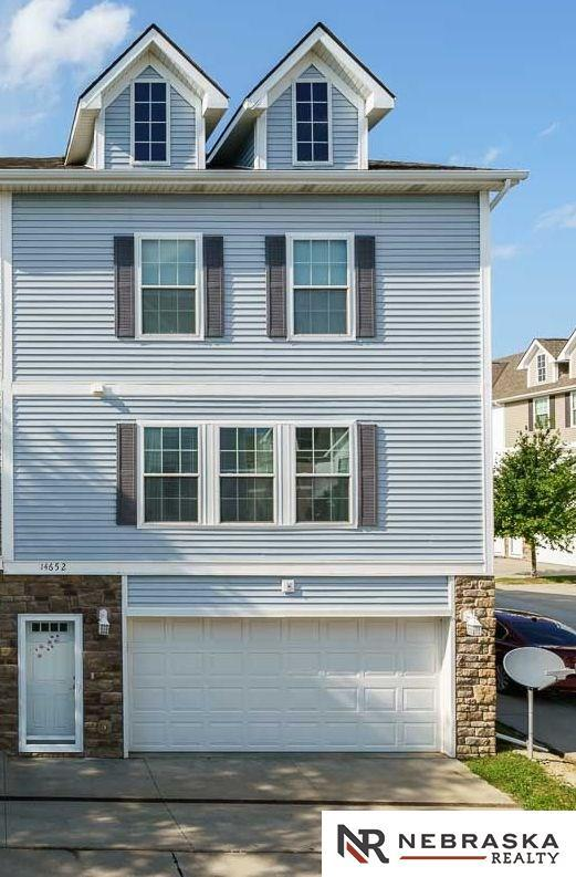 14652 Sahler Plaza, Omaha, NE 68116 (MLS #21715047) :: Omaha's Elite Real Estate Group