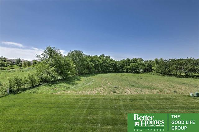 17455 Cypress Drive, Gretna, NE 68136 (MLS #21717711) :: Omaha's Elite Real Estate Group