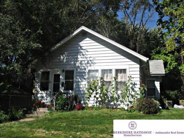 4910 Mayberry Street, Omaha, NE 68106 (MLS #21717871) :: Omaha Real Estate Group