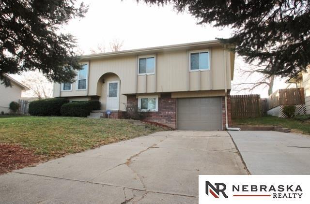 6718 S 135th Terrace, Omaha, NE 68137 (MLS #21721994) :: Nebraska Home Sales