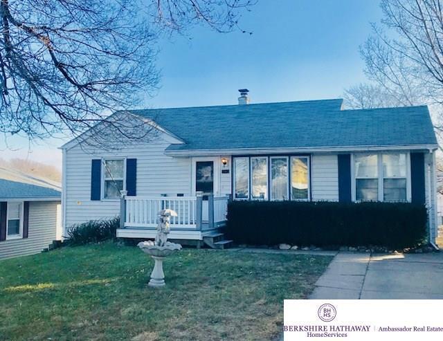 2405 S 43 Street, Omaha, NE 68105 (MLS #21722032) :: Omaha's Elite Real Estate Group