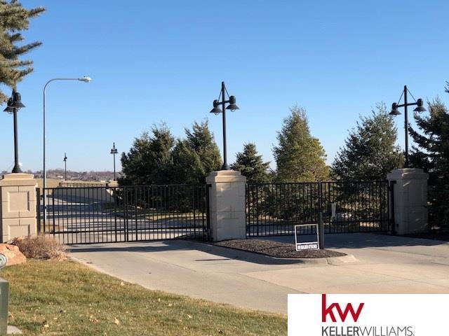 17216 Island Circle, Bennington, NE 68007 (MLS #21722166) :: Omaha's Elite Real Estate Group