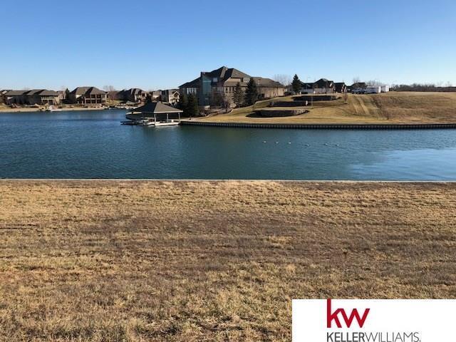 12015 N 176 Circle, Bennington, NE 68007 (MLS #21722167) :: Omaha's Elite Real Estate Group