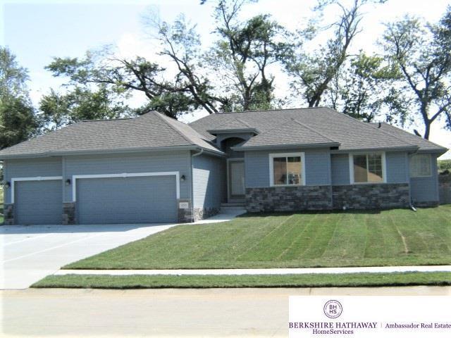 5255 Waterford Avenue Circle, Bellevue, NE 68133 (MLS #21722464) :: Omaha's Elite Real Estate Group