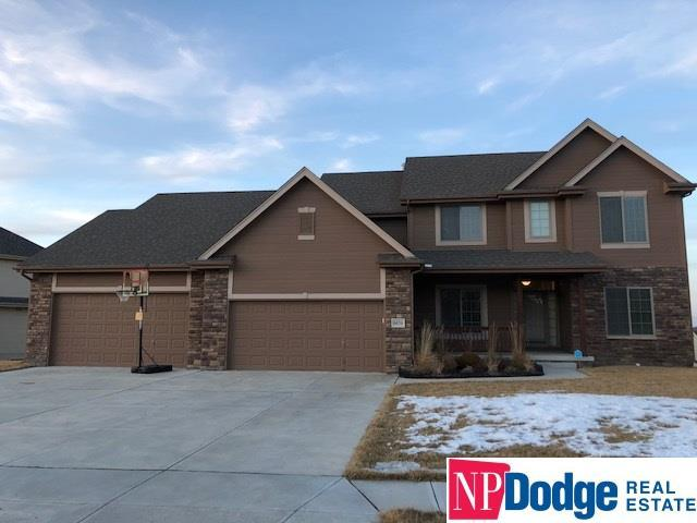 6654 Crest Ridge Drive, Papillion, NE 68133 (MLS #21802325) :: Omaha's Elite Real Estate Group
