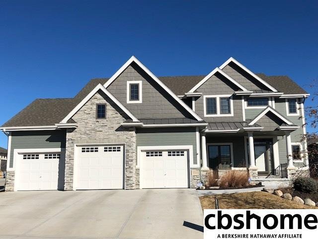 10103 S 125th Street, Papillion, NE 68046 (MLS #21802978) :: Nebraska Home Sales